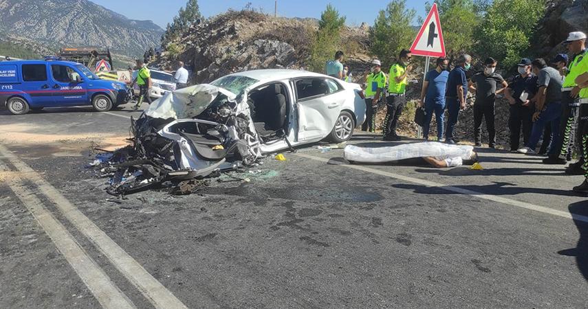 Akseki'de feci kaza: 2 ölü, 5 yaralı
