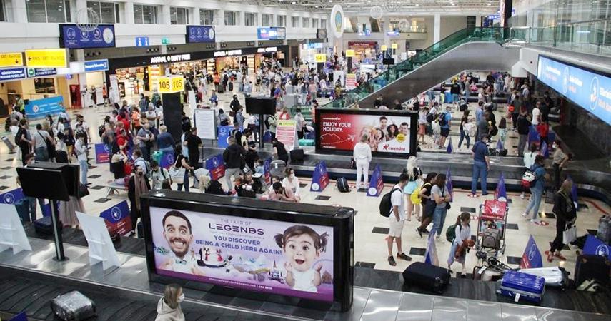 Antalya'ya 26 günde 6 bin 195 uçak ile 1 milyon 200 bin yabancı turist geldi