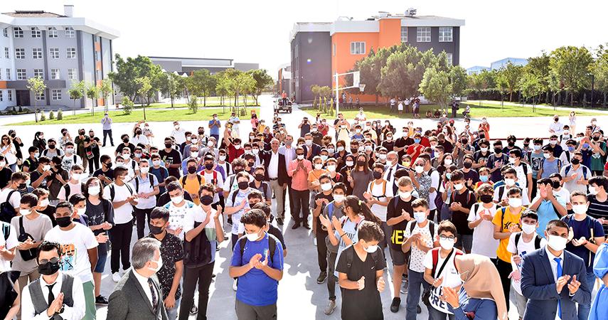 Antalya Osb Teknik Koleji'nde İlk Ders Zili Çaldı