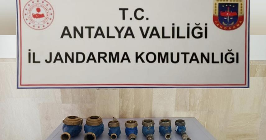 Sulama kooperatifinin su sayaçlarını çalan zanlı tutuklandı