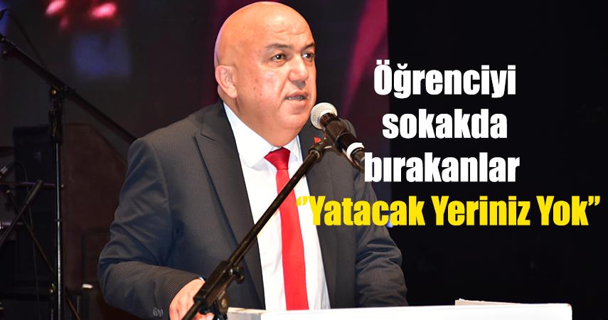 CHP İl Başkanı Cengiz, barınacak yer bulamayan öğrencilere destek verdi