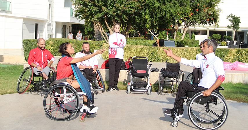 Tekerlekli Sandalye Dans Milli Takımı, engelleri dans ile aşıyor